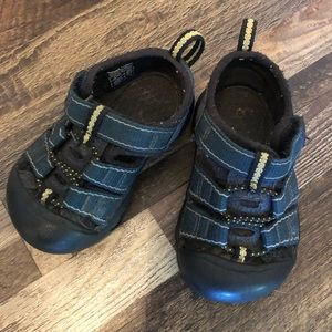 Keen Sandals Toddler Size 5